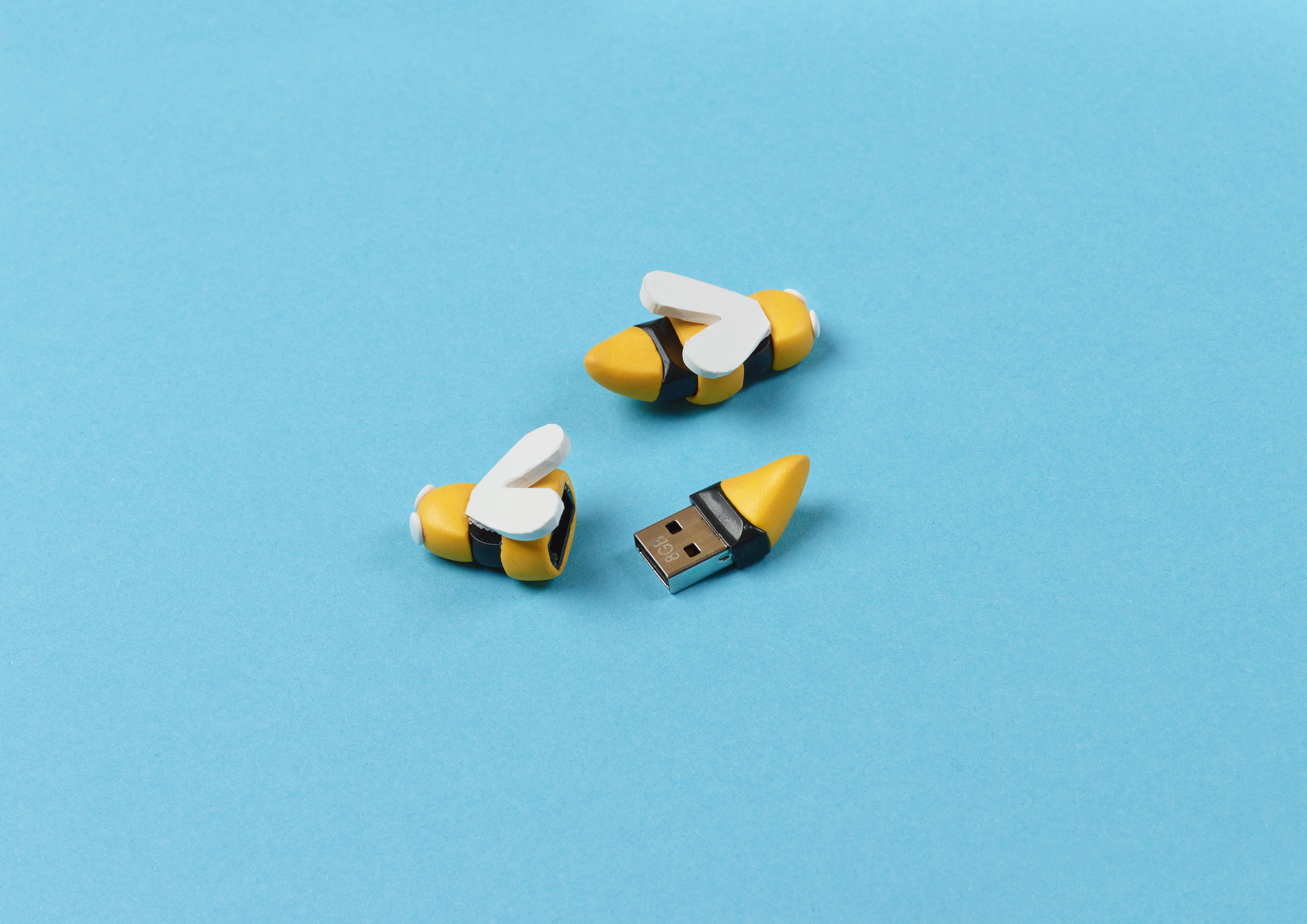 USB designed to look like a bee using Sugru