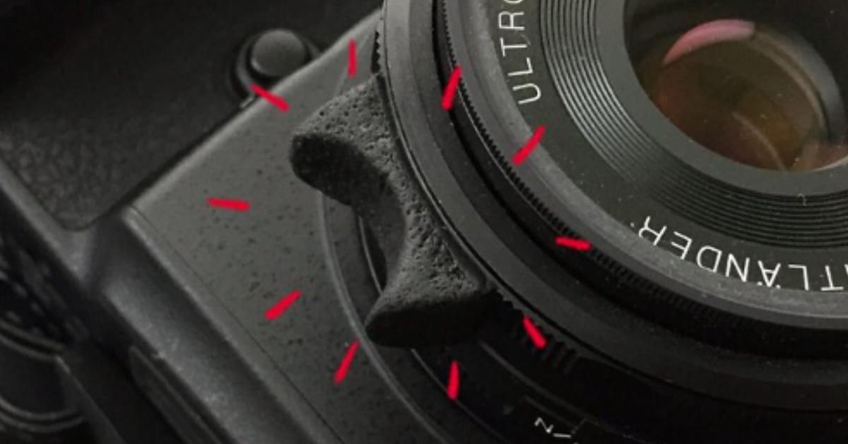 Camera focus ring grip made of Sugru
