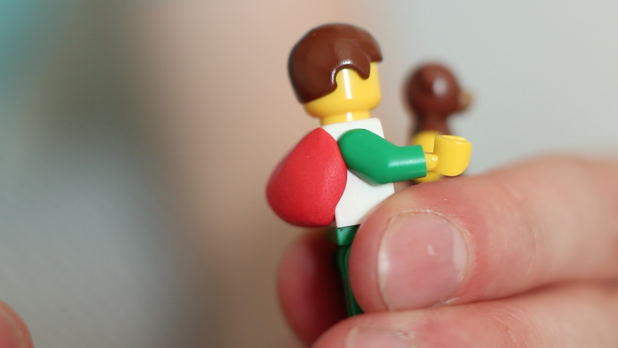 How to Organise Your Cables with LEGO Minifigures | Sugru