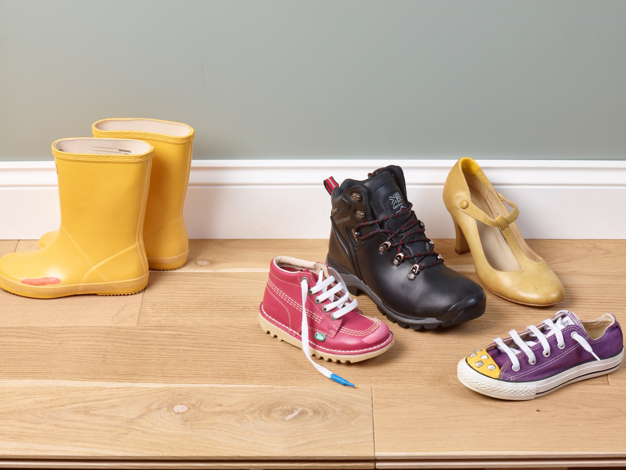 How to Repair Your Shoes with Rubber Glue | Sugru