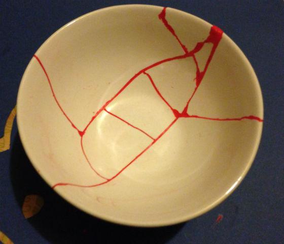 bol réparé avec Sugru selon la méthode Kintsugi