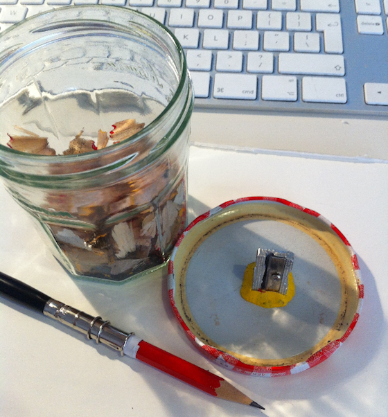 sharpener stuck to jar lid with Sugru